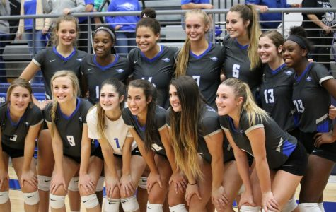 Lady Roos Serve It Up