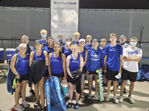 Tennis wins District championships